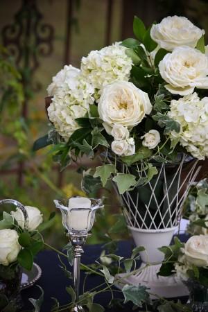 Ivy-Hydrangea-Rose-White-Wedding-Centerpiece