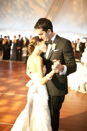 Neutral-Elegant-Ohio-Wedding-by-Holger-Thoss-Photography-2
