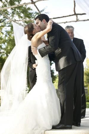 Neutral-Elegant-Ohio-Wedding-by-Holger-Thoss-Photography-6