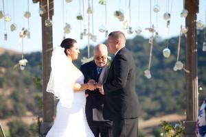 Outdoor-California-Winery-Wedding-Ceremony