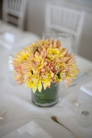 Peach-Yellow-Dahlia-Centerpiece