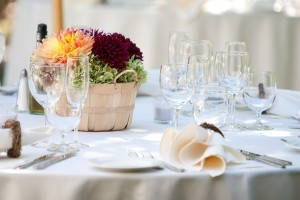 Rustic-Winery-Wedding-Tablescape