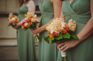 Sage-Bridesmaids-Peach-Bouquets