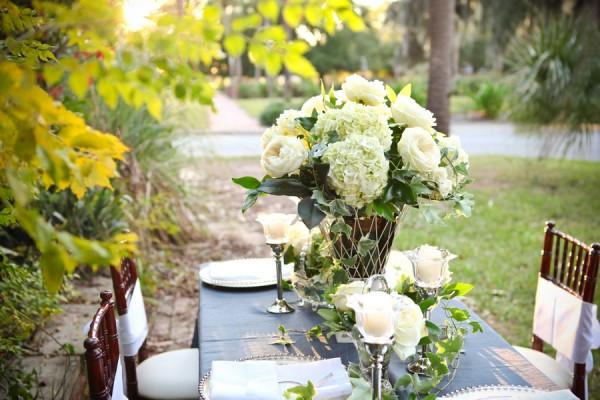 Tall-Hydrangea-Ivy-Rose-Wedding-Centerpiece