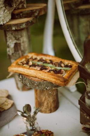 Tree-Stump-Food-Display