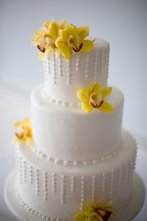 Yellow-Orchid-Weding-Cake