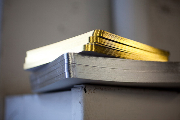 bella-figura-metallic-edge-painted-wedding-invitations