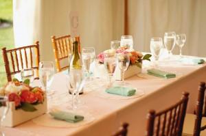 Aqua-Doily-Wedding-Tablescape