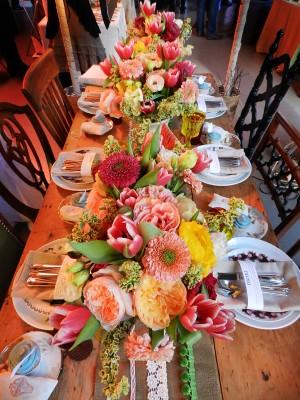 Colorful-Peony-Tulip-Mum-Centerpieces