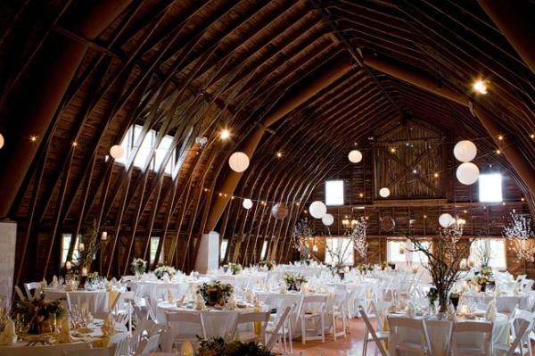 Elegant-Barn-Wedding