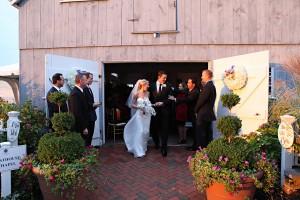 Elegant-Boathouse-Wedding-by-Marie-Labbancz-Photography-1