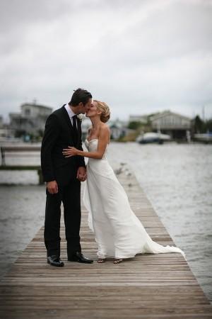 Elegant-Boathouse-Wedding-by-Marie-Labbancz-Photography-11