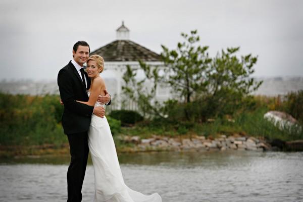 Elegant-Boathouse-Wedding-by-Marie-Labbancz-Photography-5