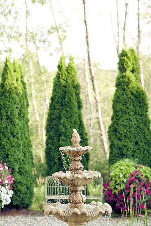 Garden-Wedding-Fountain