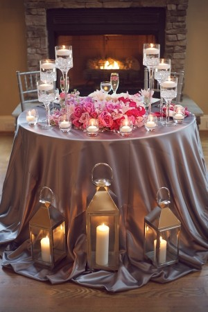 Glamorous-Pink-and-Grey-Candlelit-Tablescape
