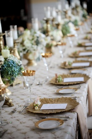 Gold-and-Ivory-Tablescape