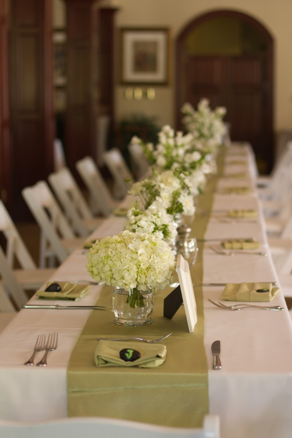 Hydrangea-and-Sage-Table-Runner