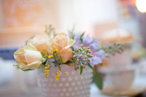 Milk-Vase-Peach-Roses