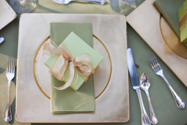 Mint-and-Gold-Wedding-Place-Setting