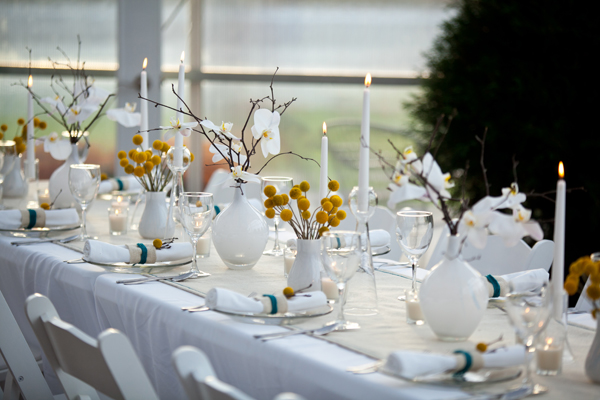 Modern-Yellow-White-Wedding-Tabletop