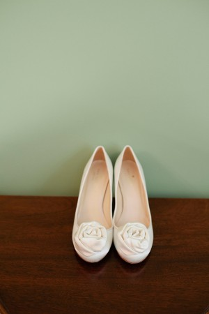 Perfect-White-Closed-Toe-Wedding-Shoes