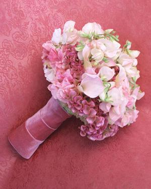 Pink-Cockscomb-Sweet-Pea-Calla-Lily-Velvet-Bouquet