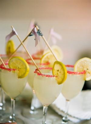 Pink-Rimmed-Lemonade-Glasses