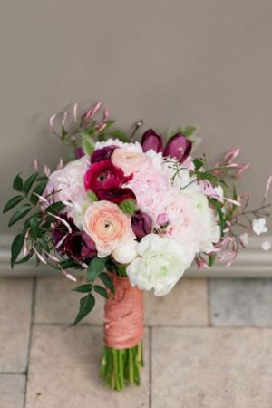 Pink-and-Plum-ranunculus-bouquet