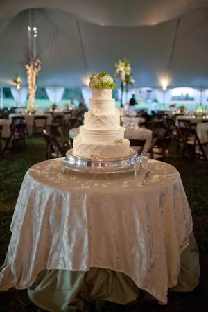 White-Wedding-Cake2