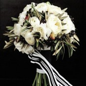 black-white-and-olive-ranunculus-bouquet