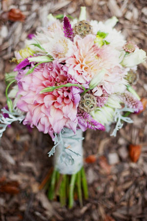 pink-dahlia-textured-wedding-bouquet