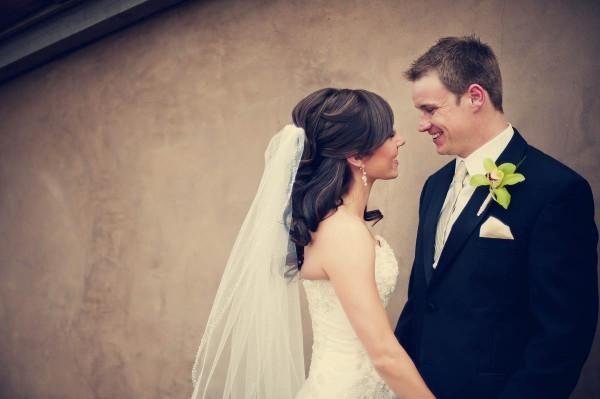 Colorful-Arizona-Country-Club-Wedding-by-Drew-Brashler-1