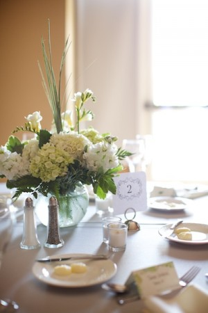 Fresh-White-Hydrangea-Freesia-Lisianthus-Centerpiece