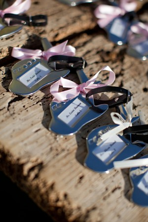 Luggage-Tag-Favors-Escort-Cards
