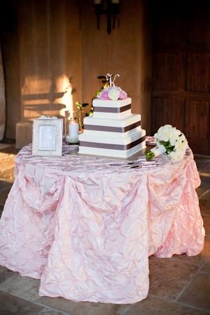 Modern-Elegant-Square-Wedding-Cake