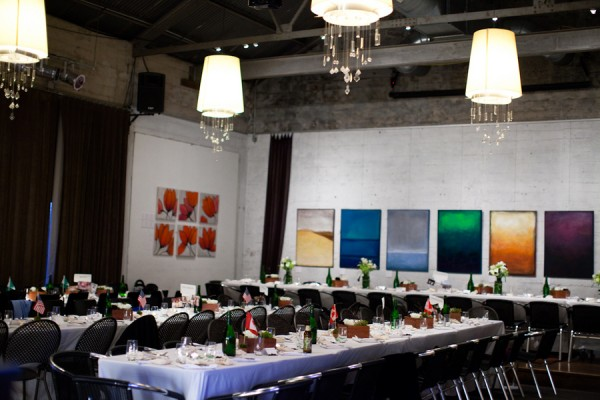 Modern-Restaurant-Wedding