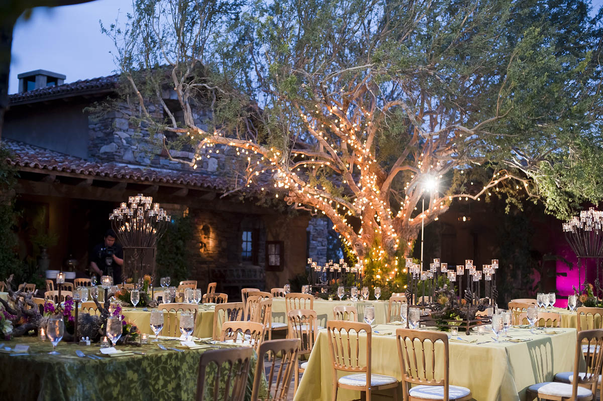 Advantages Of The Outdoor Wedding Reception: Outdoor-Courtyard-Wedding-Reception