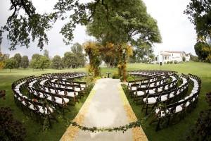 Outdoor-Organic-Elegant-In-The-Round-Wedding-Ceremony