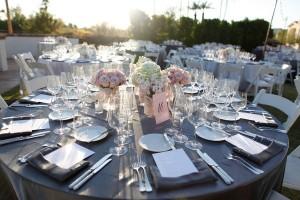 Pretty-Elegant-Modern-Black-Pink-White-Tablescape