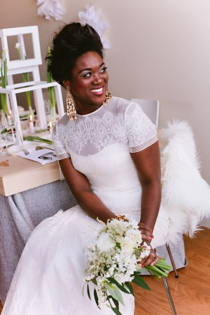Short-Sleeved-Wedding-Gown