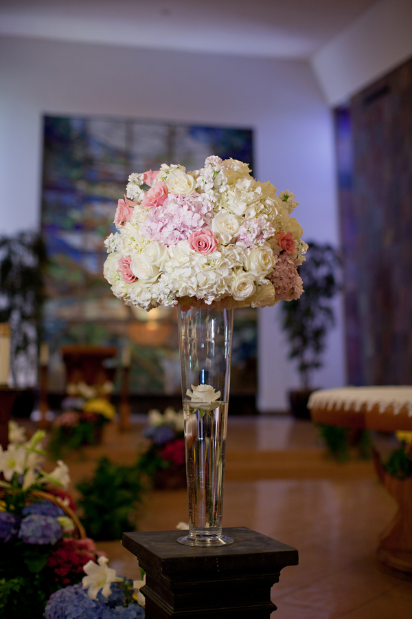 Tall hydrangea rose centerpiece elizabeth anne designs