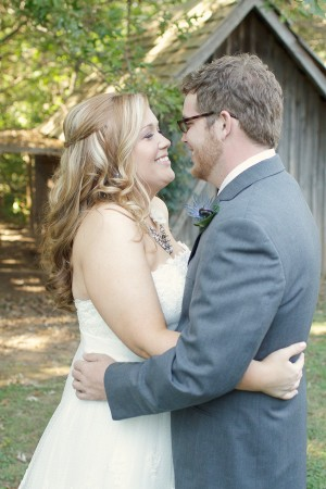 Vintage-Rustic-Outdoor-Alabama-Wedding-by-Green-Tree-Photography-6