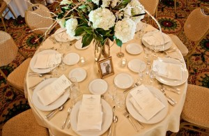 White-Green-and-Gold-Tablescape