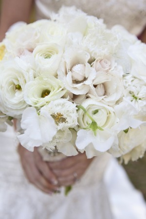 Blush-and-White-Wedding-Bouquet