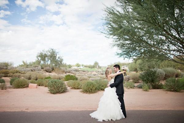 Elegant-Outdoor-Jewish-Arizona-Wedding-by-Gina-Meola-Photography-8