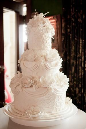 Elegant-White-Cake