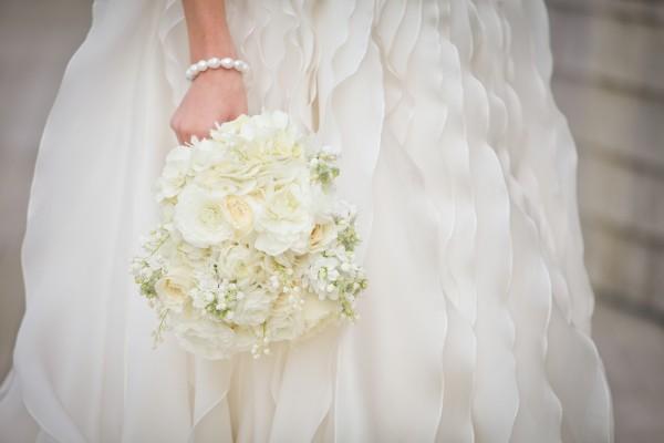 Elegant-and-Romantic-White-Bridal-Bouquet