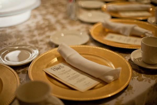Glamorous-Gold-Wedding-Place-Setting