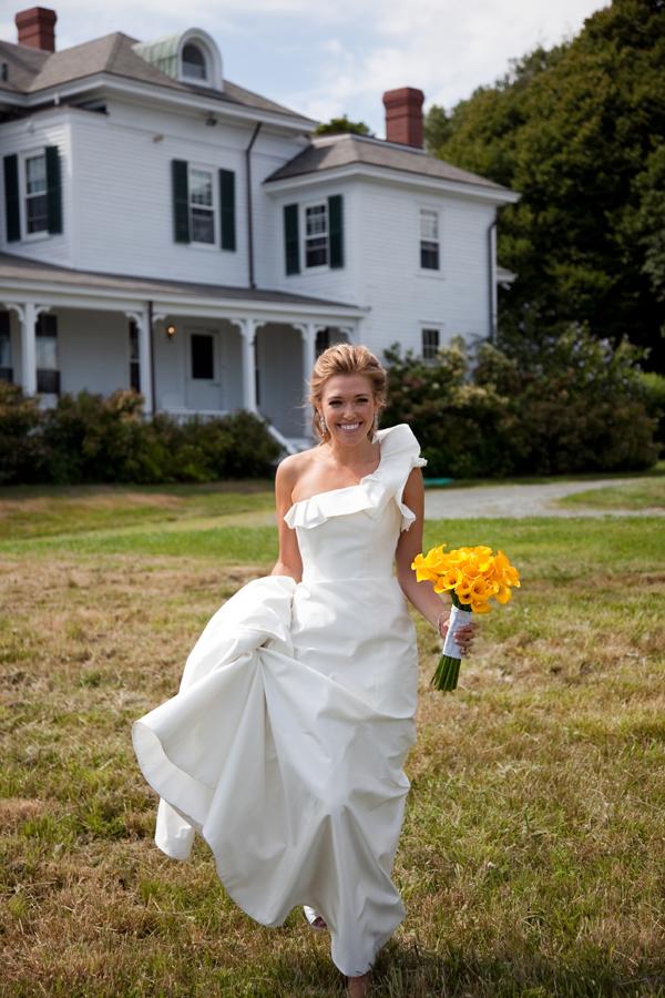 One-Shoulder-Bridal-Gown