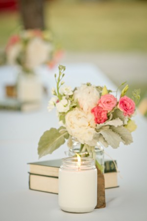 Pretty-Vintage-Rustic-Centerpiece